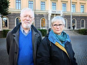 Lars och Birgitta Bohlund kämpar för Rådhusets framtid.
