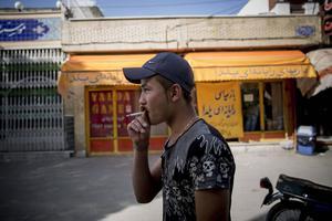 Afghanske Hossein Javari försökte i höstas lämna tillvaron som flykting i Iran men togs vid gränsen mot Turkiet.
