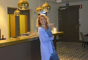 Gisela Nilsson bjuder nu in till tionde säsongen av lunchteatern - i nya Konsertteatern och på tisdagar i Sundsvall.