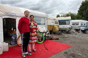 Mircea och Daniella vill inte flytta till något härbärge över vintern.