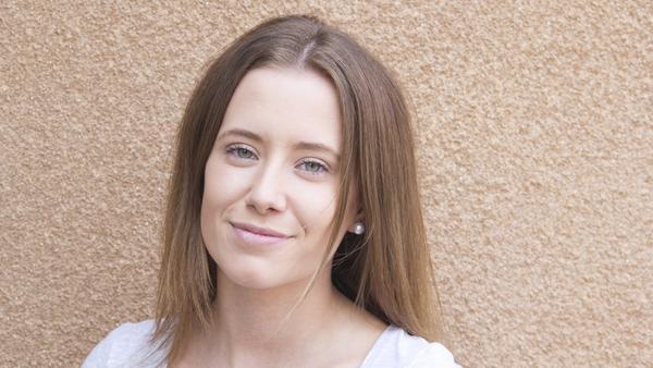 Amanda Eriksson, 18 år, studerande, Norberg: – En matkedja, så att man har någonstans att träffas och umgås på kvällarna.