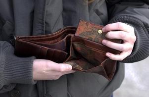 Tom plånbok kan bli vardagen för pensionerade länsbor, enligt en undersökning. Foto: Scanpix