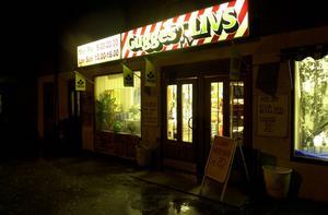 Gugges Livs i Sallyhill har utsatts för ett rån under fredagskvällen.