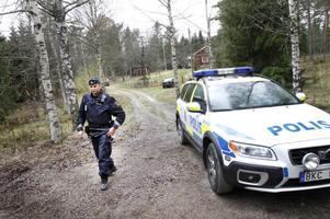 Polis fanns på plats under hela dagen. I går kväll sa polisen att det är tryggt att vistas i området.