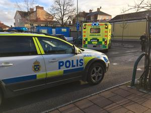 Kvinna påkörd på parkering i centrala Leksand.