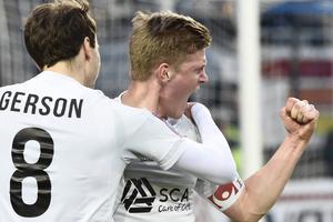 Joakim Nilsson har debuterat för Elfsborg. Men härsyns han i GIF:s bortaställ från 2015.