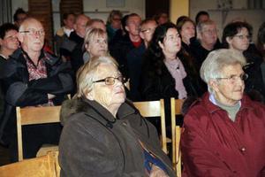 Bygdegården i Voxnabruk fylldes på tisdagskvällen med besökare som ville veta mer om planerna på en mack i Voxnabruk.