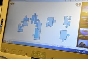 Datorerna används direkt i undervisningen. Med hjälp av bland annat pussel stimuleras barnens bokstavsinlärning.