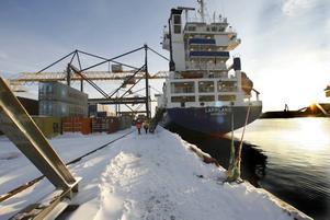 Lappland är det minsta fartyget som trafikerar Gävle Containerterminal.