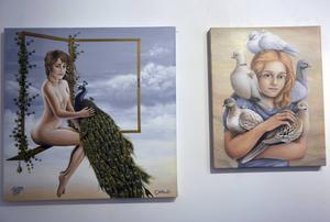 Tiee Granholm porträtterar oftast människor tillsammans med djur.