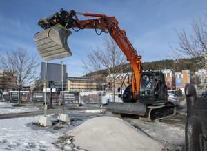 I mars tog Petter Stordalen det första spadtaget till nya hotellet.