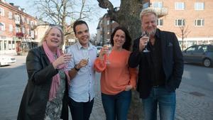 Emma Rogers, Nicholas Nikander, Marie Lindblad och Stefan Grönlund  var med i tv-programmet Halv åtta hos mig.