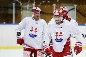 Rensfeldt har tränat med Sebastian Collberg under uppehållet och tränare Fredrik Andersson medgav att mycket pekar mot att han sätter ihop den tidigare lyckosamma kedjan där duon spelade med Filip Hållander.