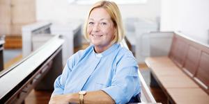 Anita Ölund prästvigdes för elva år sedan och är nu kyrkoherde i Hedemora. Mellan 2010 och 2016 var hon komminister i Sala-Norrby-Möklinta församling. Foto: Maria Hansson