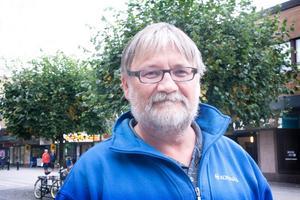 – Vi kände inte till att strandskyddet även omfattade träd, och gjorde ett misstag när vi sågade ner dem, konstaterar KKTAB:s driftchef Ronnie Björkrot.