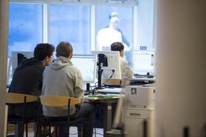 Det går att göra mycket för att få personer i arbete på kommunal nivå, skriver Christopher Rydaeus. Örebro måste ha en bättre beredskap för hur människor ska komma i arbete vid en lågkonjunktur. /FOTO: Bertil Enevåg Ericson / TT