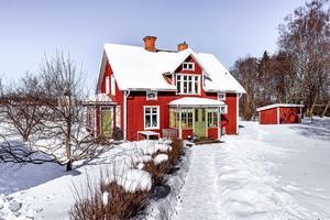 Detta hus i Gruvby-Gustafs var det mest klickade huset på Hemnet, sett till hus från Dalarna. Foto: Fastighetsbyrån