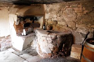 Bagarstugan i den gamla mjölnarbostaden är numera vinkällare.