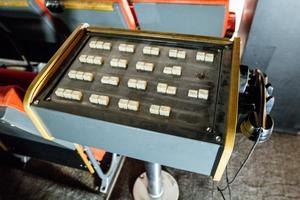 Analogt mixerbord för att sköta ljussättning och dylikt.