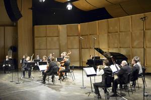 David Saulesco hade placerat musikerna i olika grupper för att skapa surroundljud.