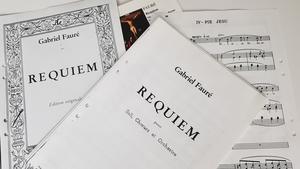 Gabriel Faurés Requiem är ett av de mer kända verken i den genren.