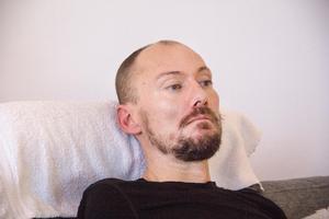 Magnus bloggar om sin sjukdom. Inläggen skriver han på sin telefon.