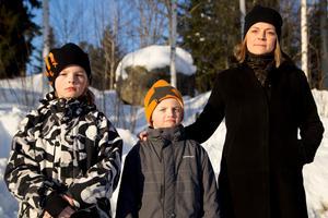 Levis, Leo och mamma Joline Fahlström.