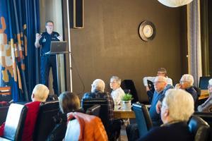 Polisen Jan Olsson uppmanar Vågbroborna att göra det svårare för tjuvarna att begå brott.