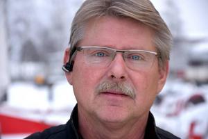 Pelle Edlund är en av de ansvariga för snöröjningen. Han menar att skolorna kommer en bit ner på prioriteringslistan.
