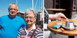 Sedan den 1 juli är det förbjudet att röka på uteserveringar. Besökarna i Nynäshamns gästhamn har olika åsikter och många vet inte vad det är som egentligen gäller.