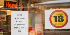 För att personalen skulle erbjudas samtalsstöd och att polisen skulle kunna utföra sitt arbete var butiken stängd under torsdagsmorgonen.
