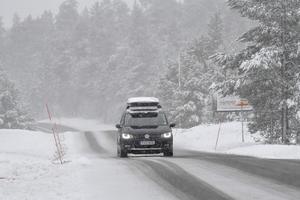 Svårt väglag på främst mindre vägar i norra Dalarna.