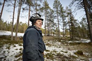 Thorbjörn Åhrén besöker sina renar nästan dagligen.