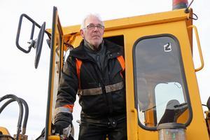 Lars-Ivar Sjöberg hjälpte räddningstjänsten i släckningsarbetet.