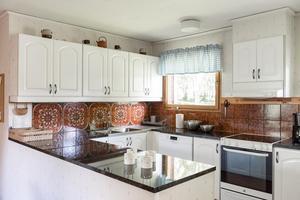 Kök med 70-talskakel.  Foto: Utsikten Foto