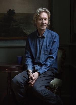 Bengt Ohlsson väljer ofta det oväntade perspektivet i sina romaner – så också i