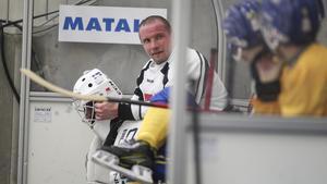 Anders Svensson har suttit på bänken i Sveriges båda möten med Kazakstan, men kommer att kliva in i laget i VM-finalen.