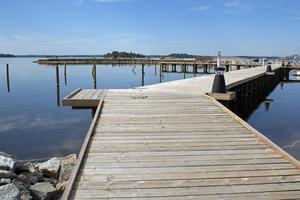 Bryggan som byggts för boendebåtar vid Öster Mälarstrand.