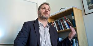 """""""Är en röst på Moderaterna i själva verket en röst på Centerpartiet när det handlar om kommunens främsta politiker?"""" skriver Jonas Lennerthson, Socialdemokraternas kandidat till kommunstyrelsens ordförande i Falun. Foto: Claes Söderberg"""