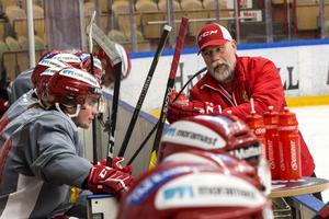 Mats Lusth hoppas att Mora kan fortsätta spela på samma sätt som man gjorde innan uppehållet.