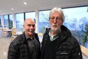 Håkan Persson och Ove Johansson  berättar att det blir både traditionella julsånger och några mer moderna som ska sjungas.