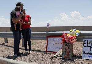 Terroristen i El Paso hade publicerat rasistiska kommentarer på ett internetforum innan dådet. Foto: AP Photo/John Locher