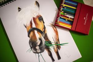 Konstverk skapat av färgpennor.