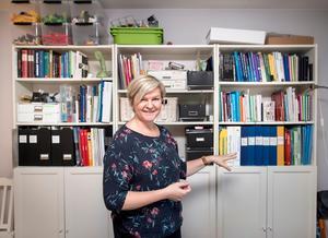 Bokälskaren Sari Karlsson gjorde sig av med många fler böcker än hon hade trott. Men några titlar
