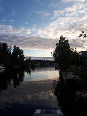 Söderhamnsån en vacker kväll! Foto: Roland Laurin