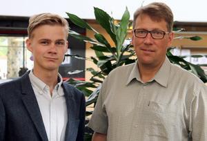 Victor Ericsson (M) och Anders Häggkvist (C) reserverar sig mot återremissen av förslaget kring en ny politisk organisation.