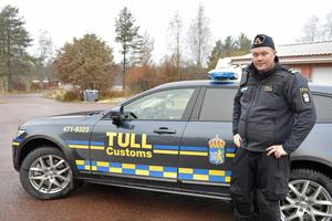 Sebastian Westman konstaterar att Tull- och polisstationen i Idre måste  byggas ut och det gäller även garaget för att få plats med ytterligare fordon.