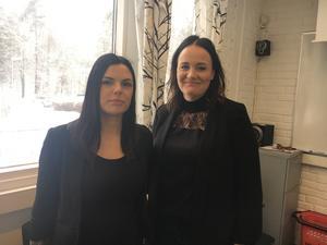 Sarah Fahlcrantz och Alexandra Lindholm är lärare på frisörlinjen i Hallstavik.
