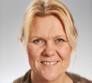 Ann-Christine From Utterstedt (SD)  tycker att nyanlända elver ska gå i förberedelseklasser.