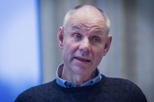 Bengt-Olov Renöfält (C) har kritiserat kommunledningen för hur de hanterat frågan om Galvån.